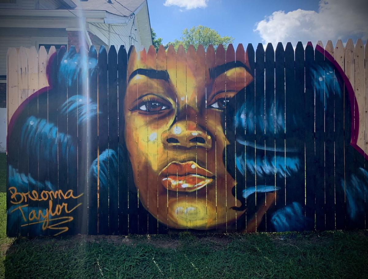Breonna Taylor Honored By Her Uncle With Mural Painted On Fence At His Louisville Home News Wdrb Com