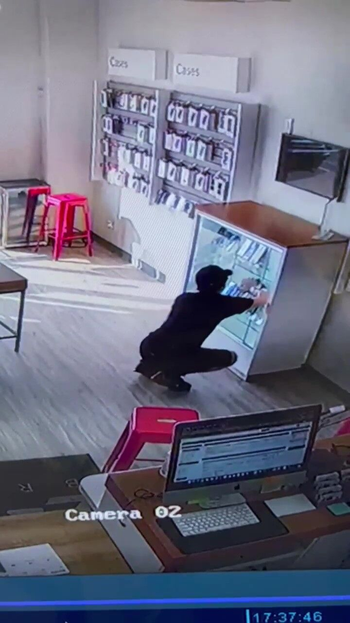 Cell phone repair theft