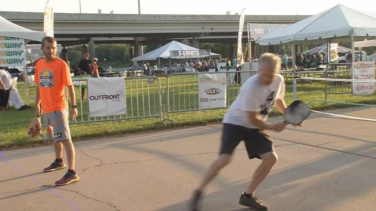 Thousands rise early on Labor Day to take part in