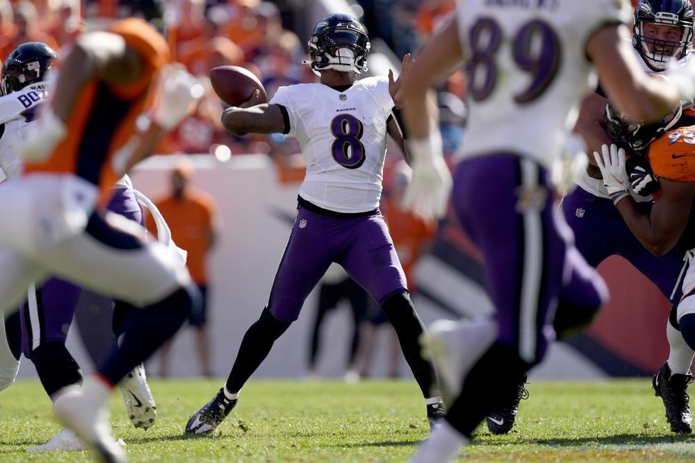 Lamar Jackson Ravens quarterback.jpeg