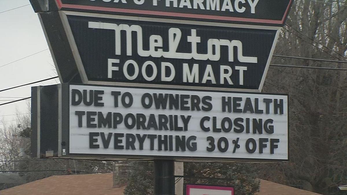 MELTON FOOD MART - SIGN CLOSING 1-2-19.jpg