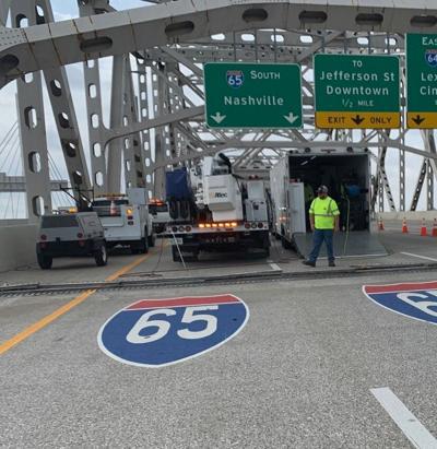 Kennedy Bridge crews bolt repair