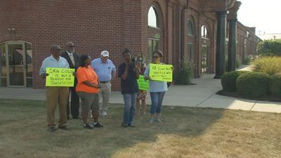 Jeffersonville resident protest hiring of police officer named in 3 civil rights lawsuits