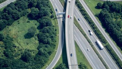 SUNDAY EDITION | New interstate projects drive debate over Louisville region's future