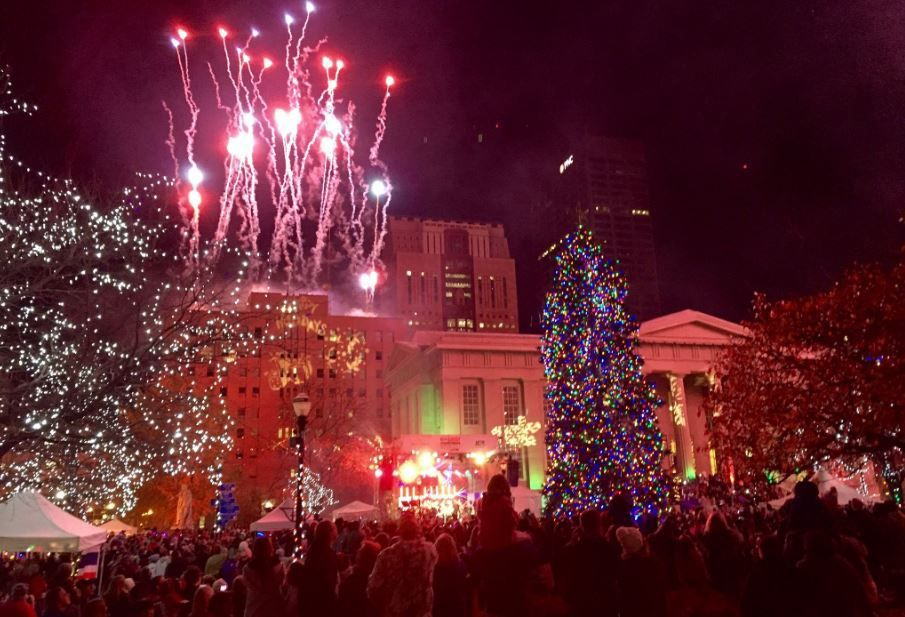 More than 40,000 people pack downtown for annual 'Light Up Louisville' tradition
