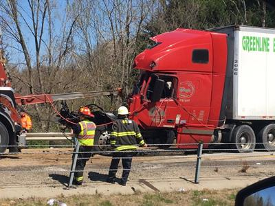 UPDATE: All lanes of I-71S now open after multi-vehicle crash involving 3 semis