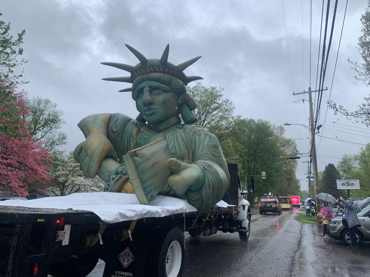 A Statue of Liberty float in the 2021 Pegasus Parade (4/10/21)