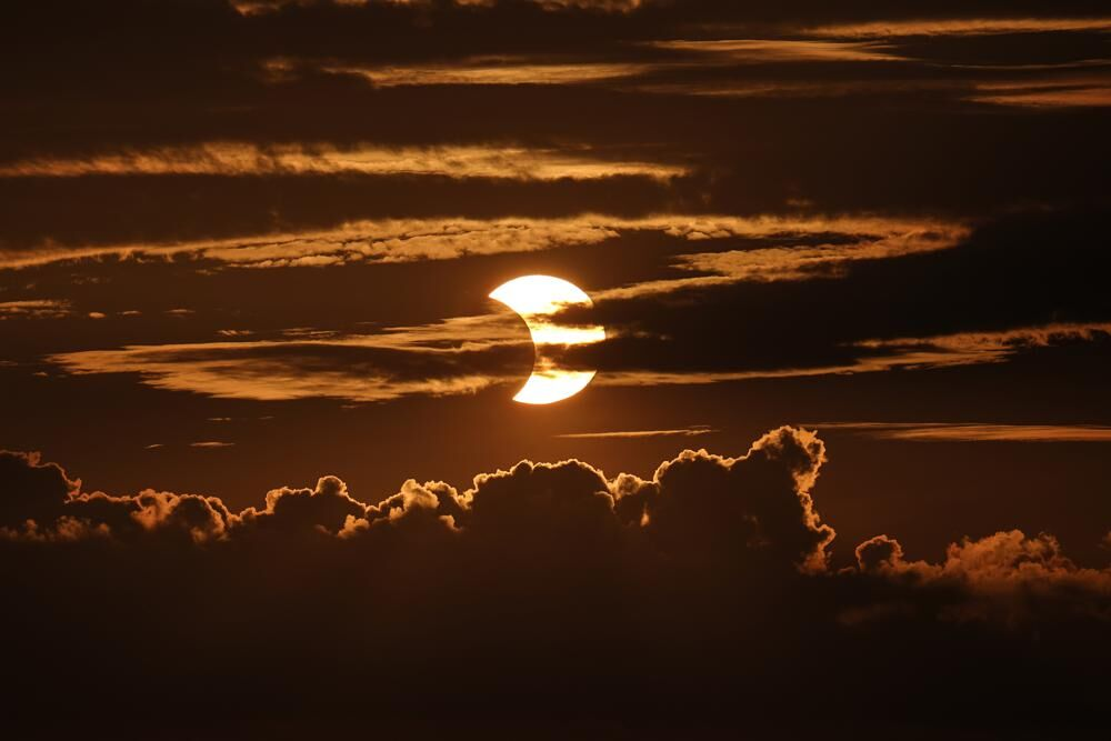 SOLAR ECLIPSE - AP 6-10-2021 2.jpeg