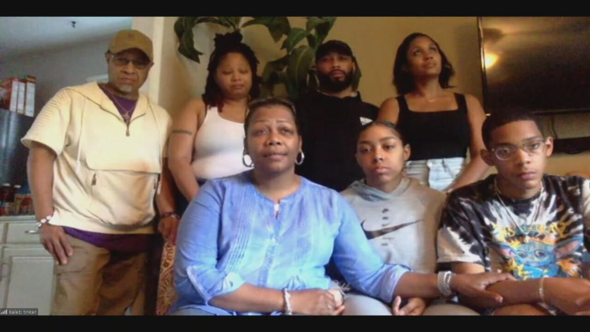 Kathy Davis and the family of Kasmira Nash