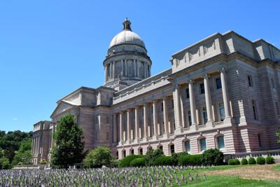 Kentucky state capitol building exterior 6-22-2021 (3).JPG