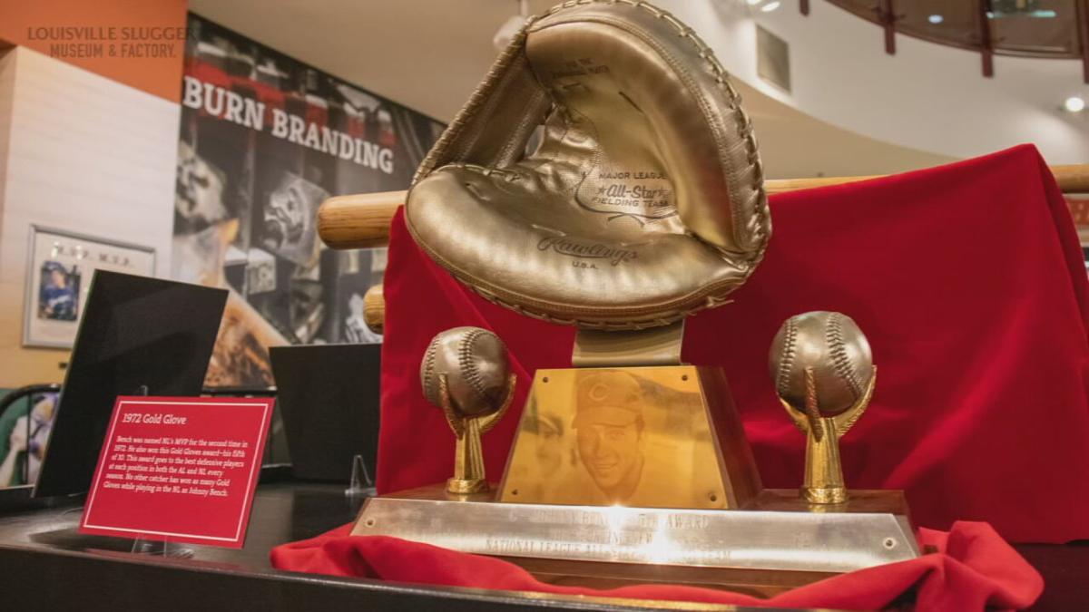 Johnny Bench Gold Glove Award