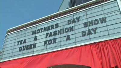 Arts Council of Southern Indiana hosts Mother's Day Tea and Fashion Show