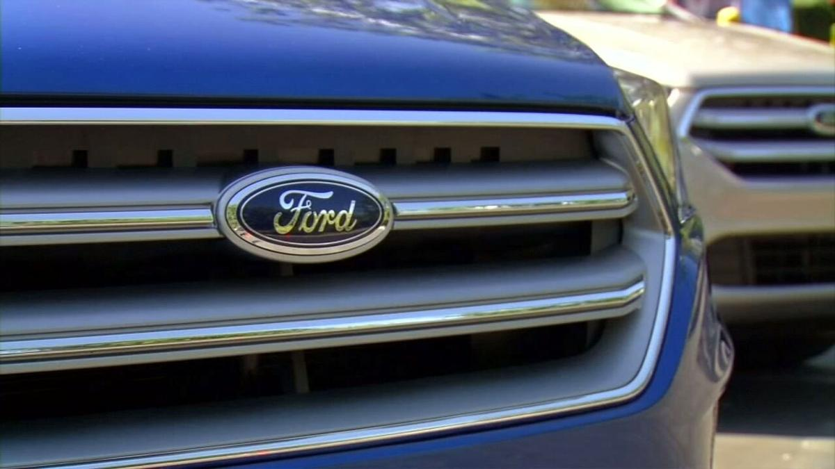 Ford generic logo on grill 2.jpeg