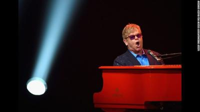 Music icon Elton John to perform in Louisville during final tour