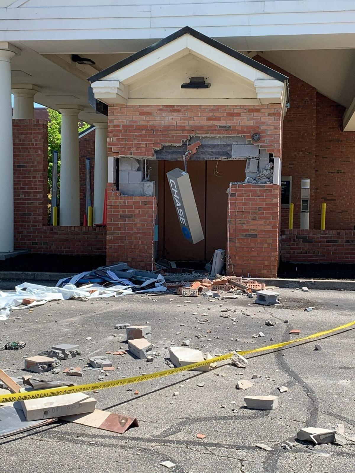 Holiday Manor Chase ATM robbery 2.jpg