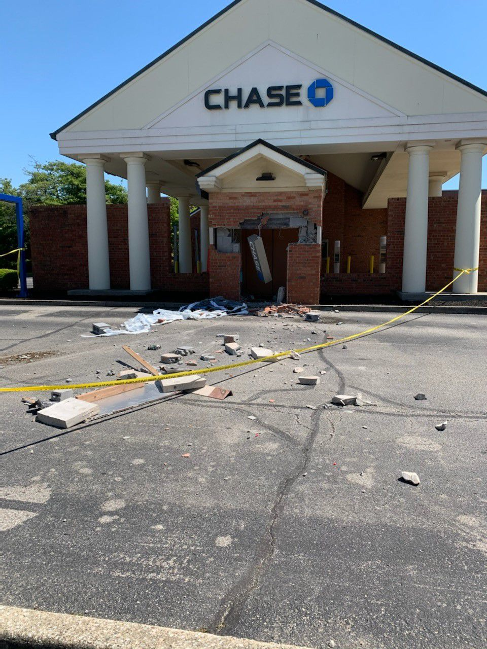Holiday Manor Chase ATM robbery.jpg