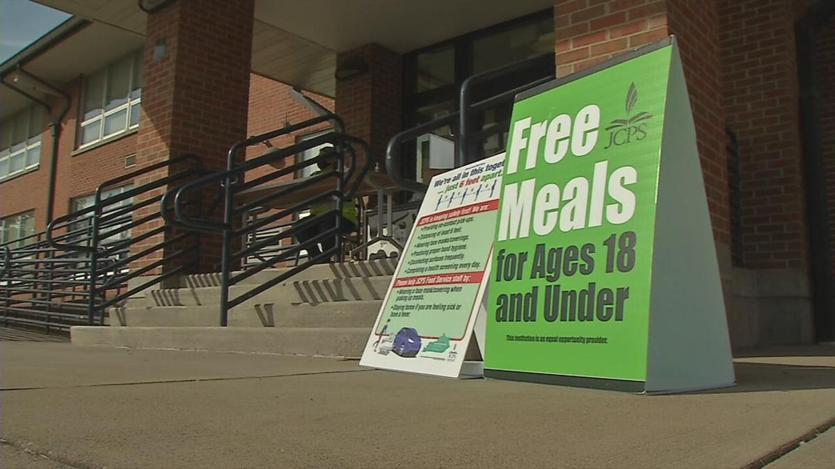Free meals sign JCPS.jpeg