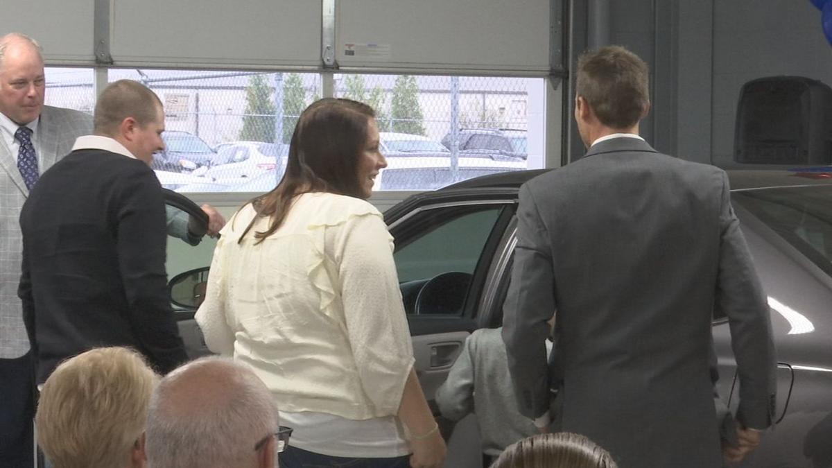 Louisville military family receives new car