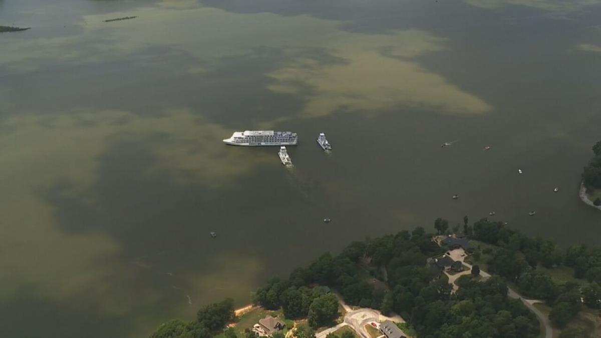 CRUISE SHIP STUCK IN LAKE BARKLEY IN KENTUCKY - 7-8-2021  (3).jpeg