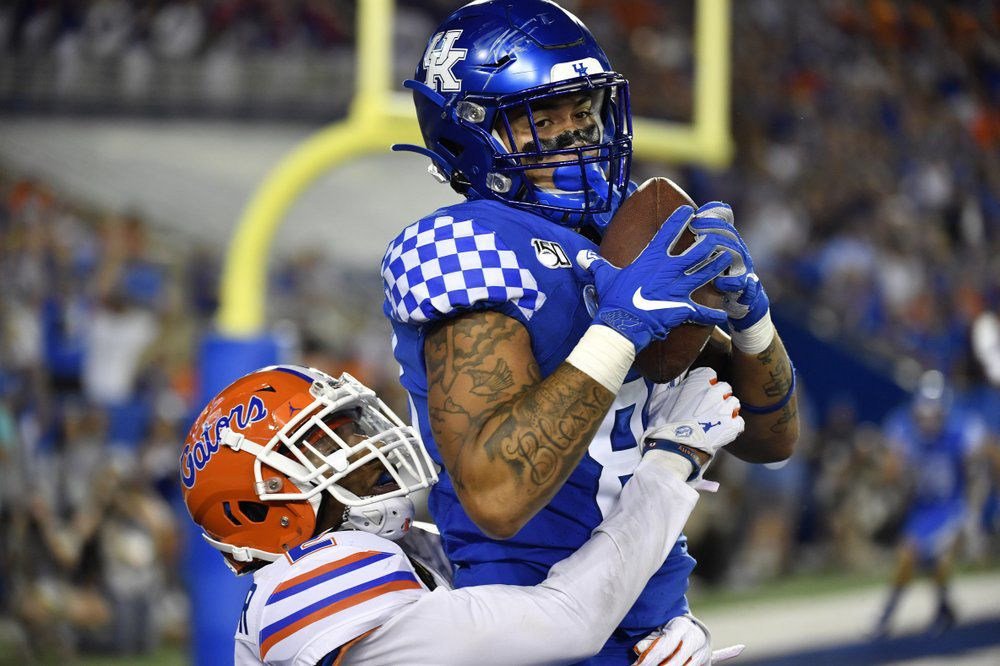 BOZICH | Turnovers, flags, missed FG doom Kentucky against ...