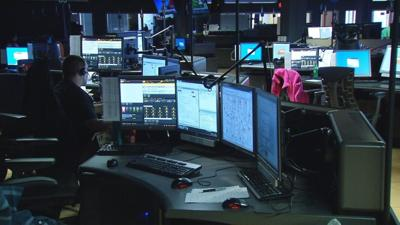 Louisville MetroSafe hiring 911 call takers, dispatchers