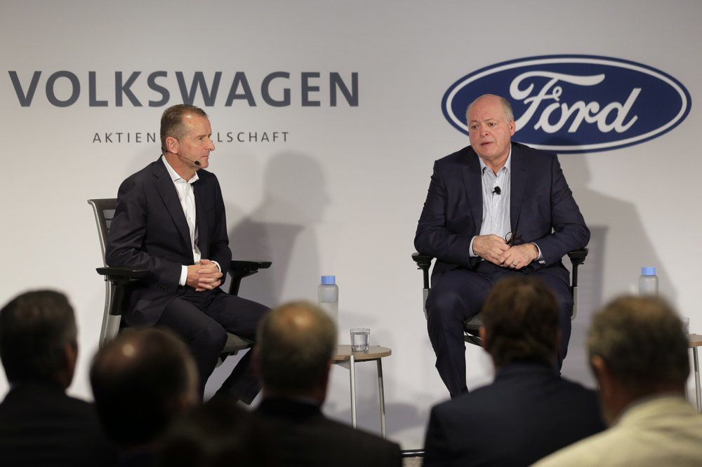 FORD AND VW CEOS - AP 7-12-19 1.jpeg