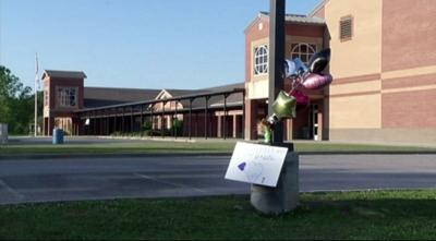 Sixth grade Alabama girl dies after participating in tug-of-war at school