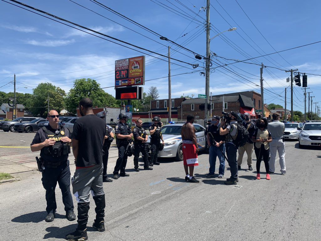 PROTEST AT 26 AND BROADWAY AFTER POLICE SHOOTING - 6-1-2020 8.jpg