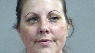 Louisville woman accused of driving while intoxicated with 4-year-old in van