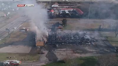 Massive fire in Elizabethtown leaves heavy damage to Kentucky Cardinal Inn
