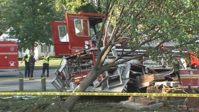 One dead in crash involving Louisville fire truck on Algonquin Parkway; 4 firefighters injured