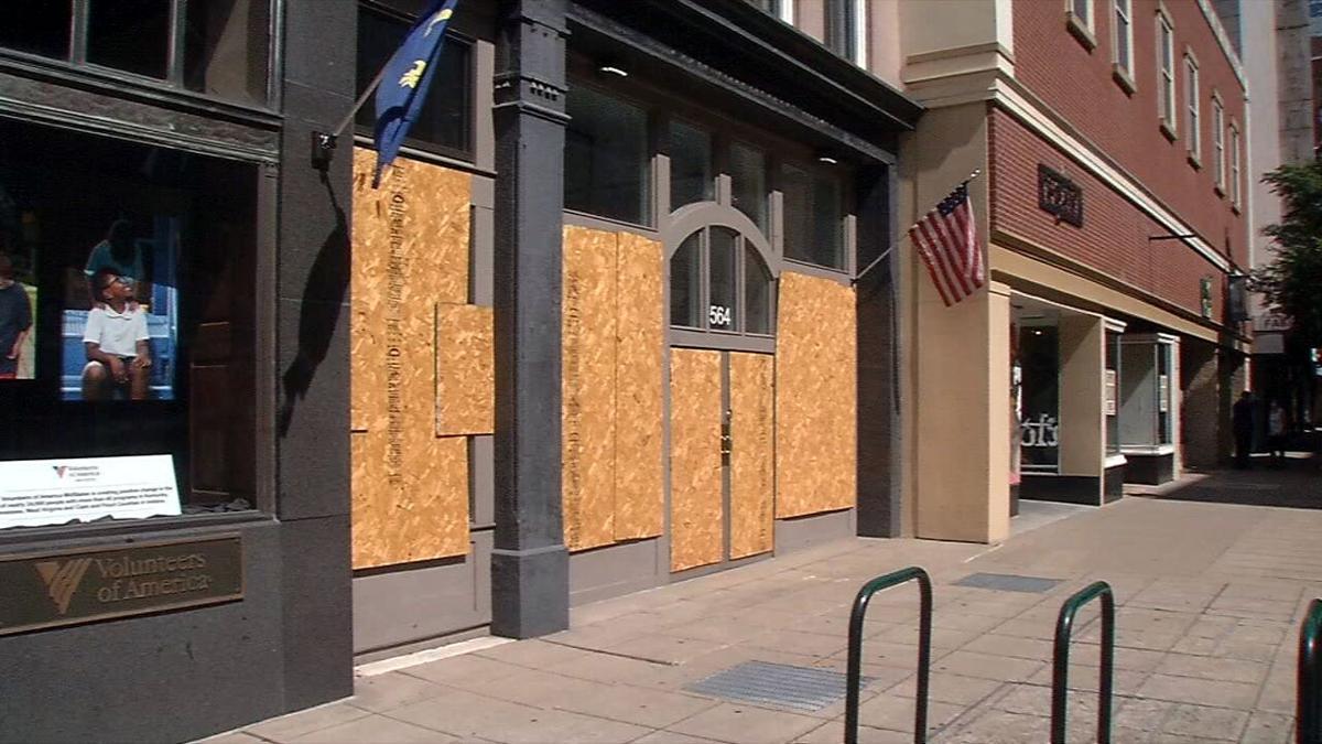 boards on windows downtown louisville 7-24-20
