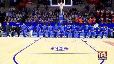 UK players kneel before UF game