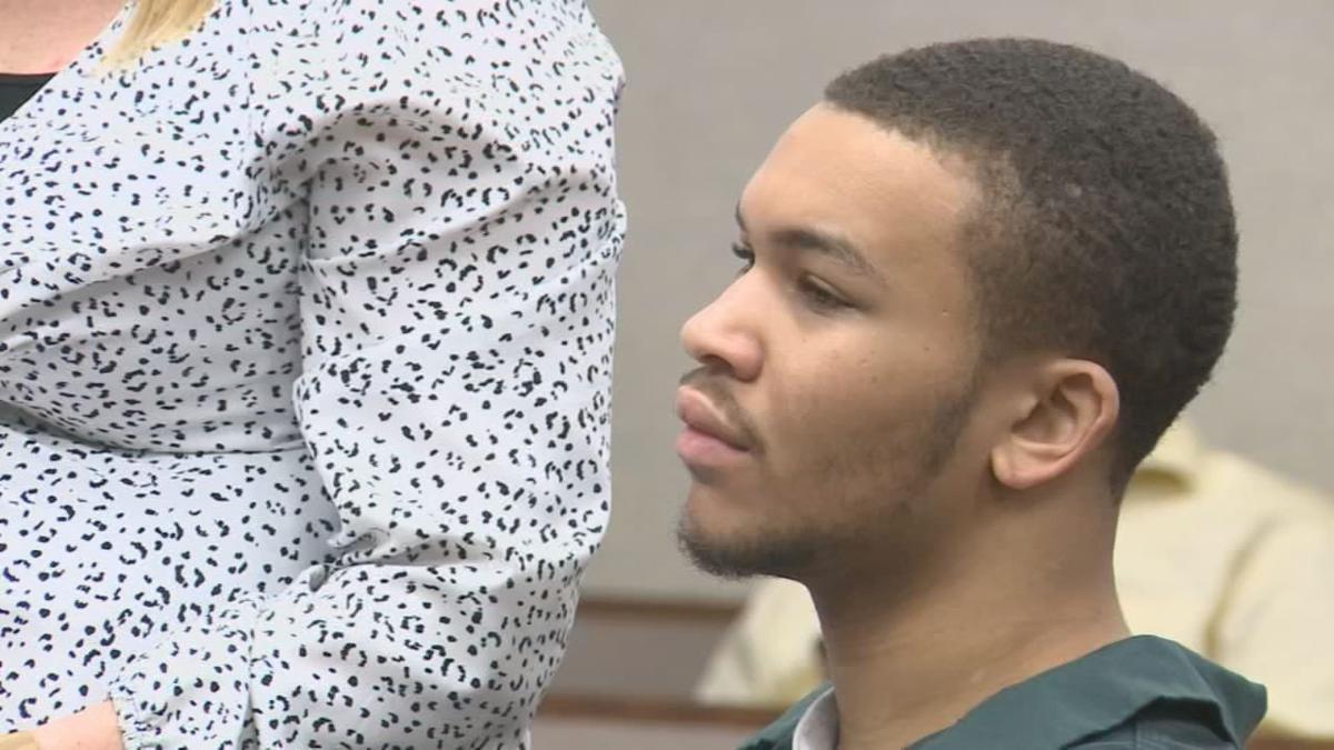 Travon Curry in court.jpg