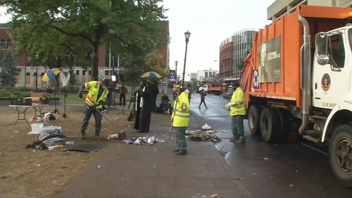 LOUISVILLE WORKERS CLEAN UP AFTER PROTEST AND FIRES DOWNTOWN - 9-24-2020  (4).jpeg