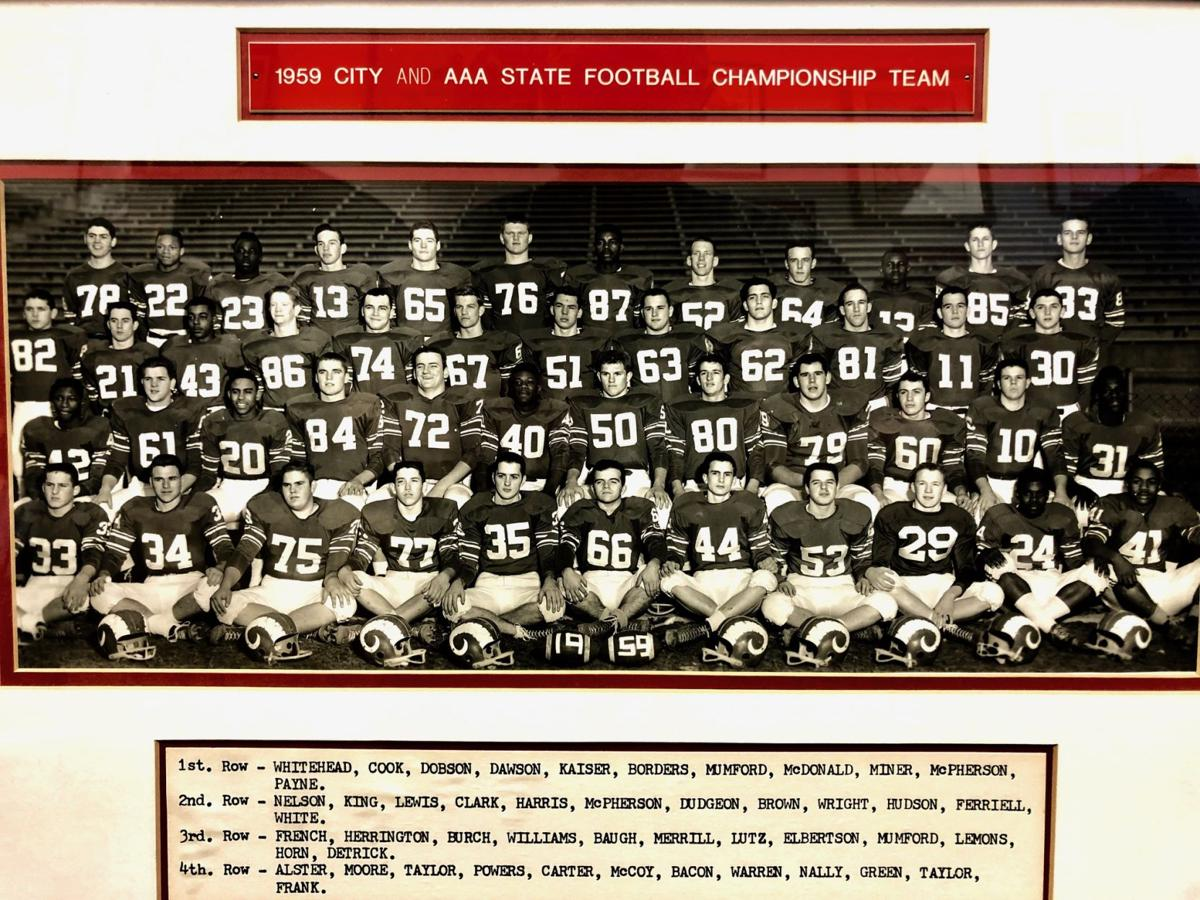 Manual football 1959 team photo
