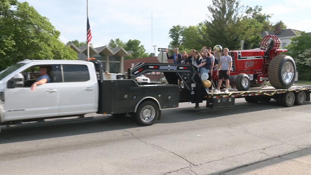 Shelby Co. Seniors Parade 191043_frame_20298.jpeg