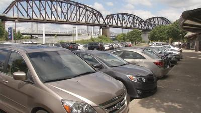 Louisville Waterfront officials approve measure to charge for parking at Waterfront Park