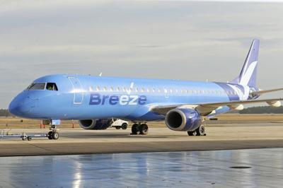 BREEZE AIRLINE - ap file .jpg