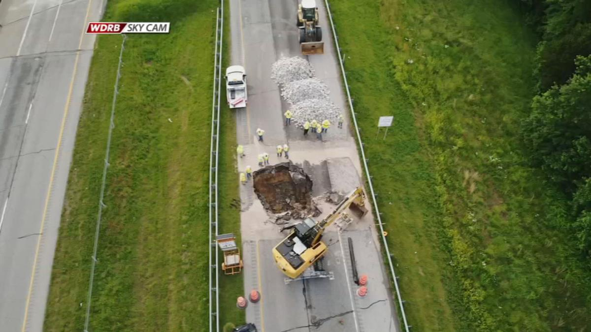 Sinkhole closes I-265 East in southern Indiana for 12 hours