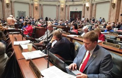 Kentucky lawmakers override Bevin vetoes, restore tax and budget bills