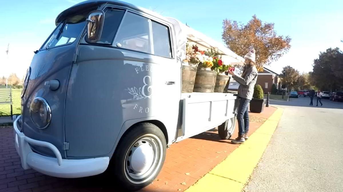flower truck 11-24-19.jpg
