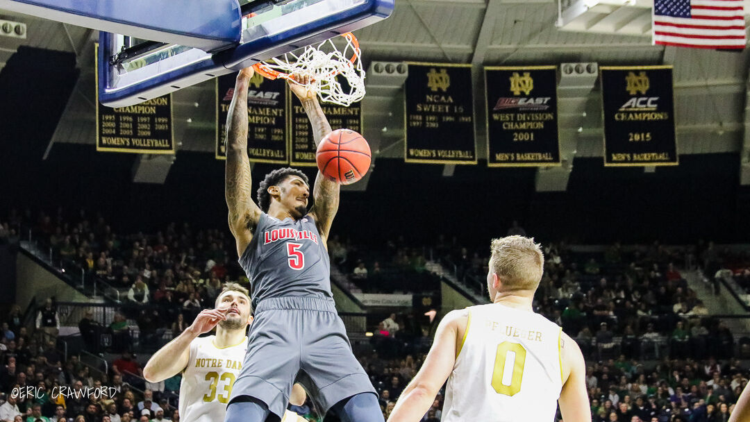 Malik Williams dunk