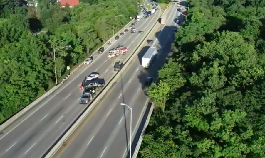 2 children injured in crash that shut down I-64E in west