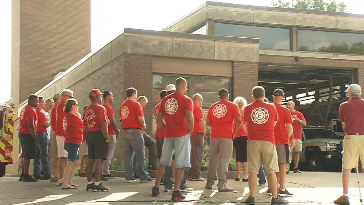 Louisville firefighter union rallies upon shut-down of fire company on Rubel Avenue (Aug. 2019)