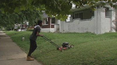 Community rallies around teens mowing yards for free
