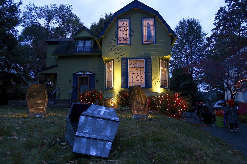 Halloween house generic