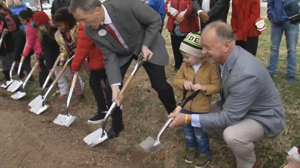 Groundbreaking for new elementary in Jeffersonville 12-14-18