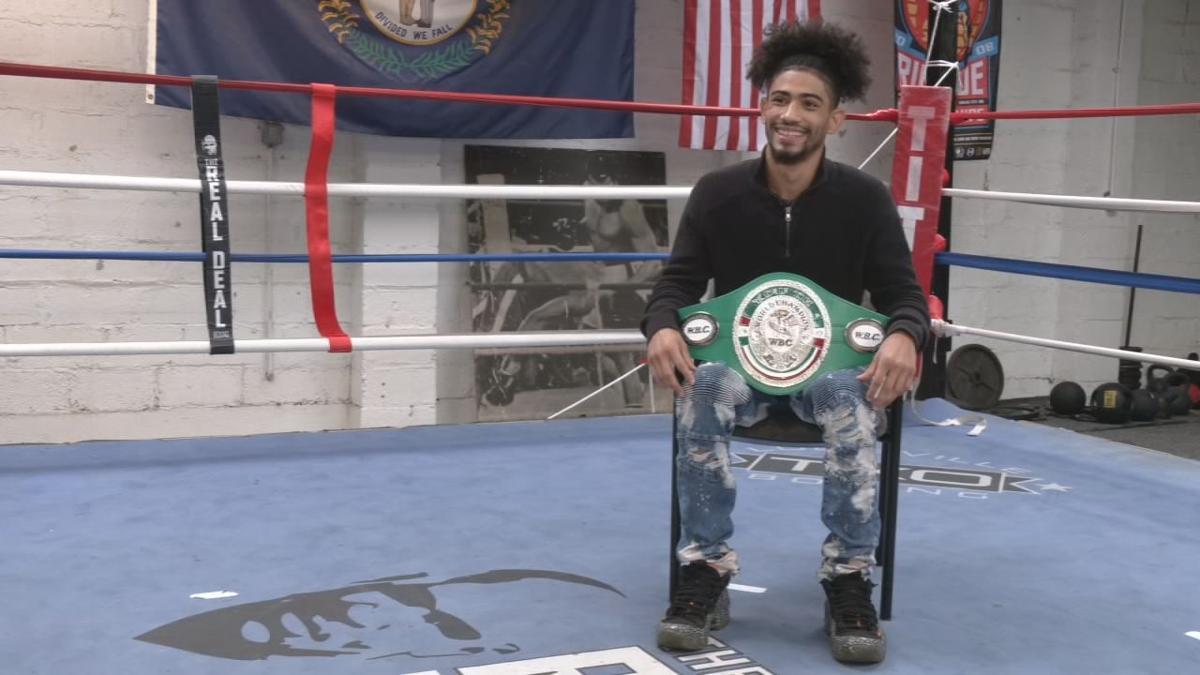 Louisville boxer Carlos Dixon