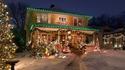 christmas lights 11-22-20.JPG